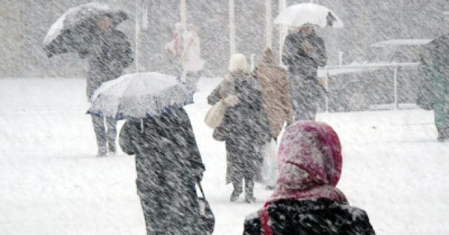 iStock_000001027803XSmal(snowstorm)l.jpg